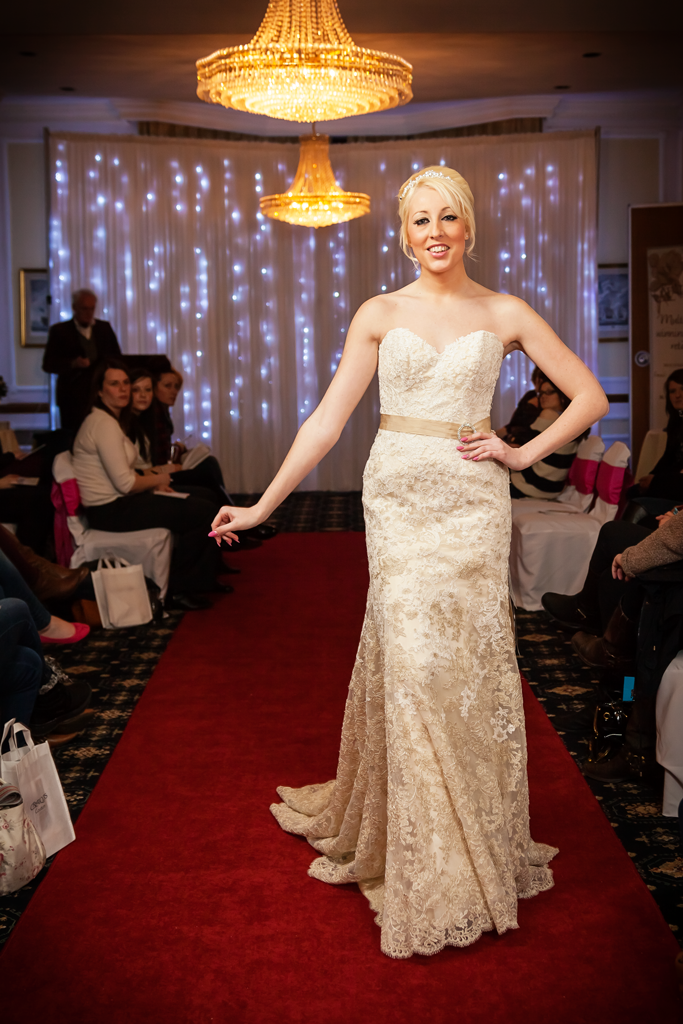 creatiques-wedding-dress-portsmouth-make-light-work-photography-3