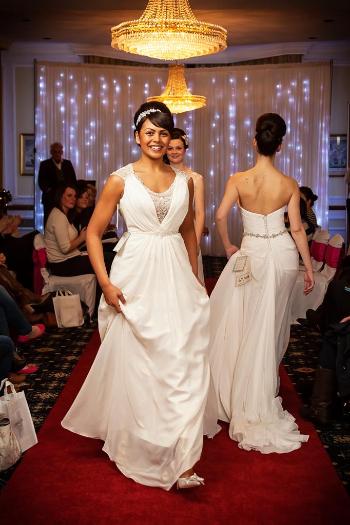 creatiques-wedding-dress-portsmouth-make-light-work-photography-6