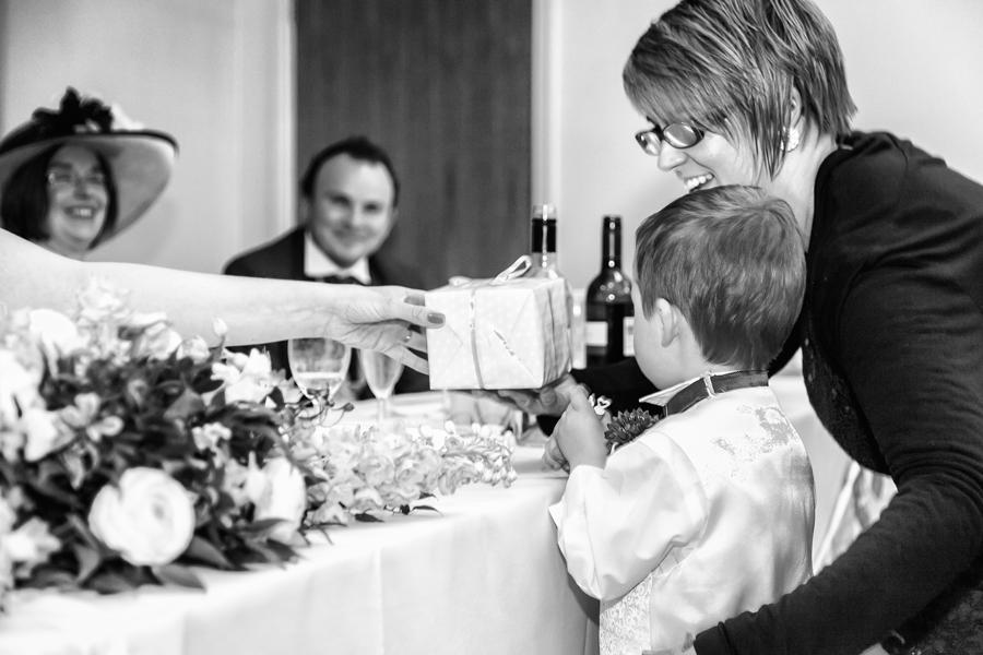 make-light-work-wedding-photography-portsmouth-beth-steve-marwell-hotel-16