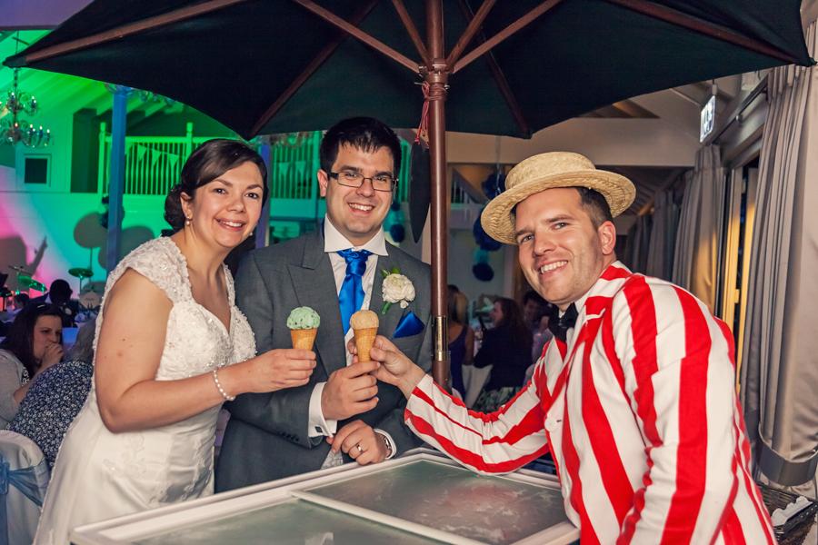 make-light-work-wedding-photography-portsmouth-beth-steve-marwell-hotel-18